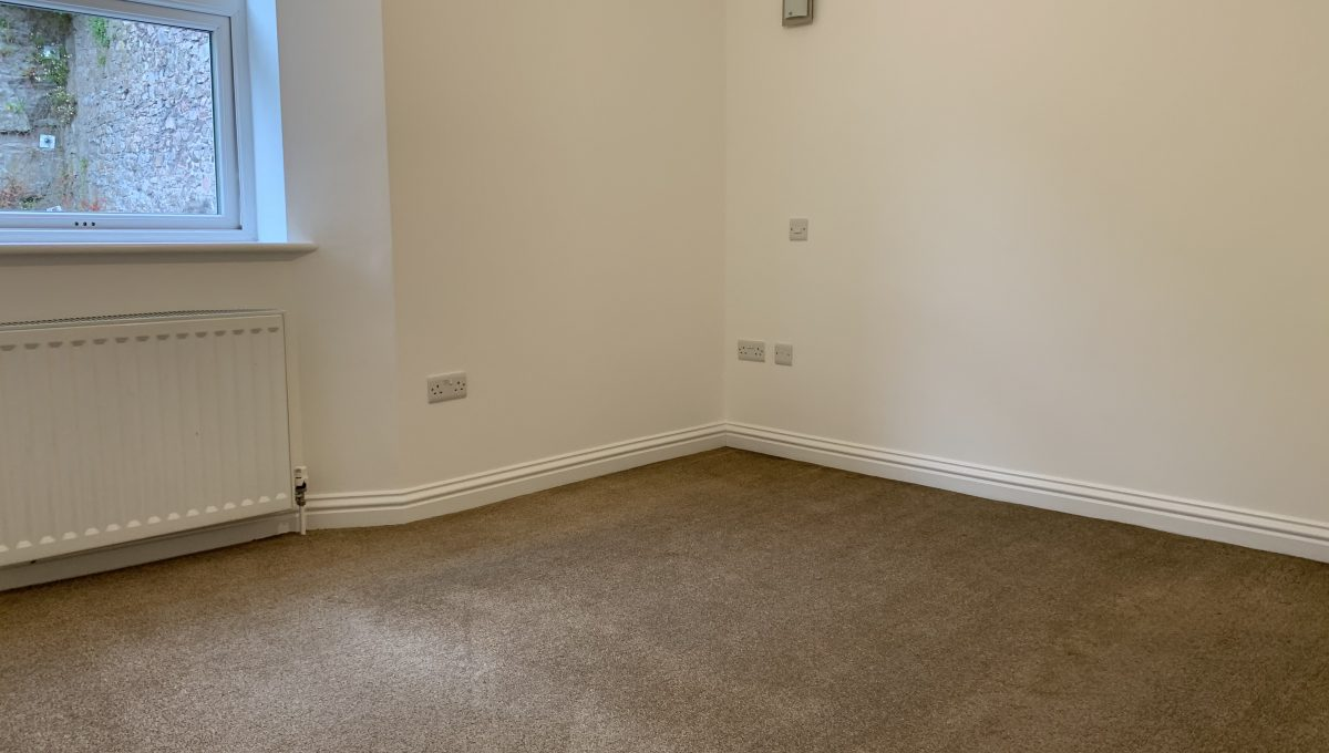 Flat 2 MR Bedroom